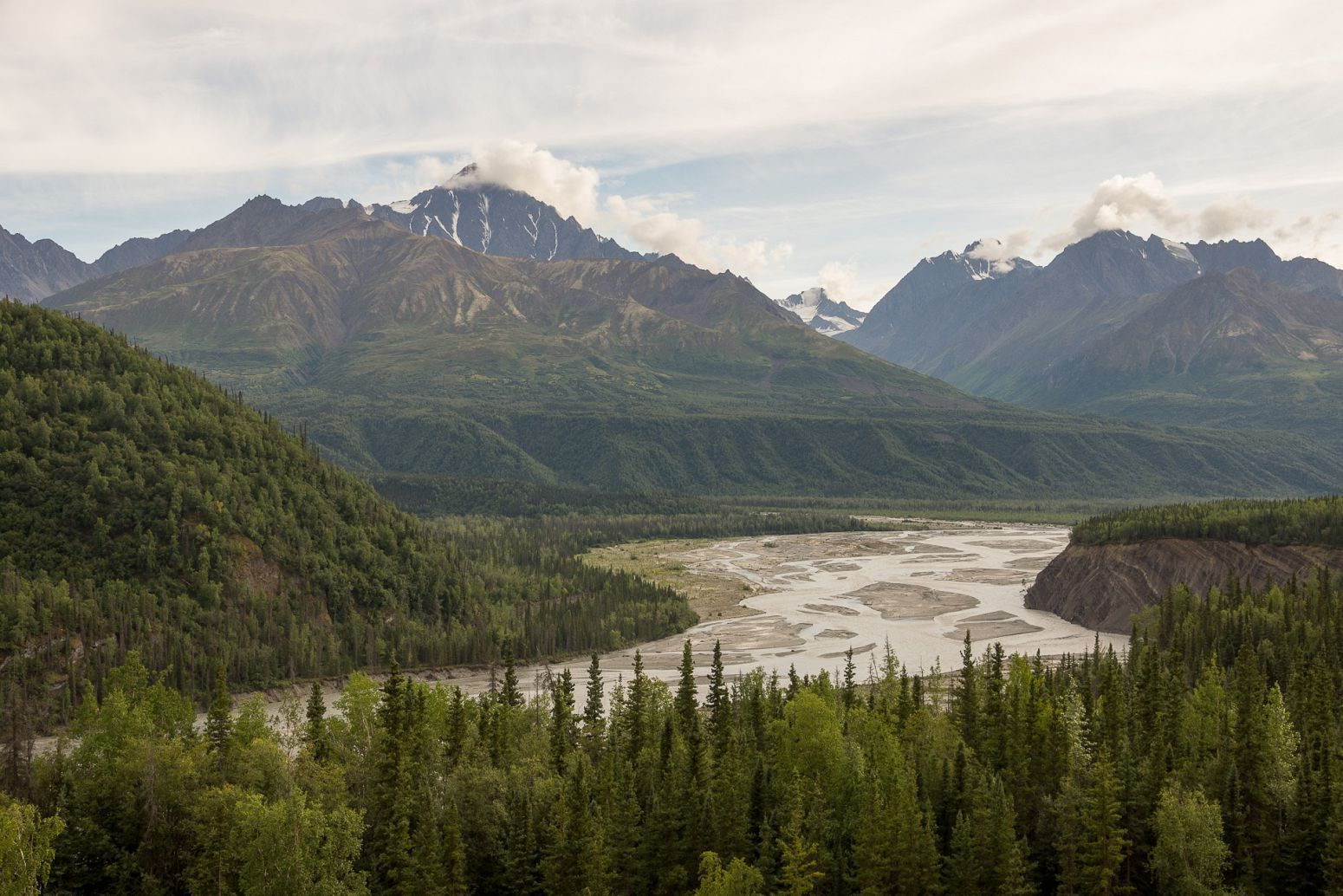 Matanuska River from Glenn Hwy, Alaska, USA