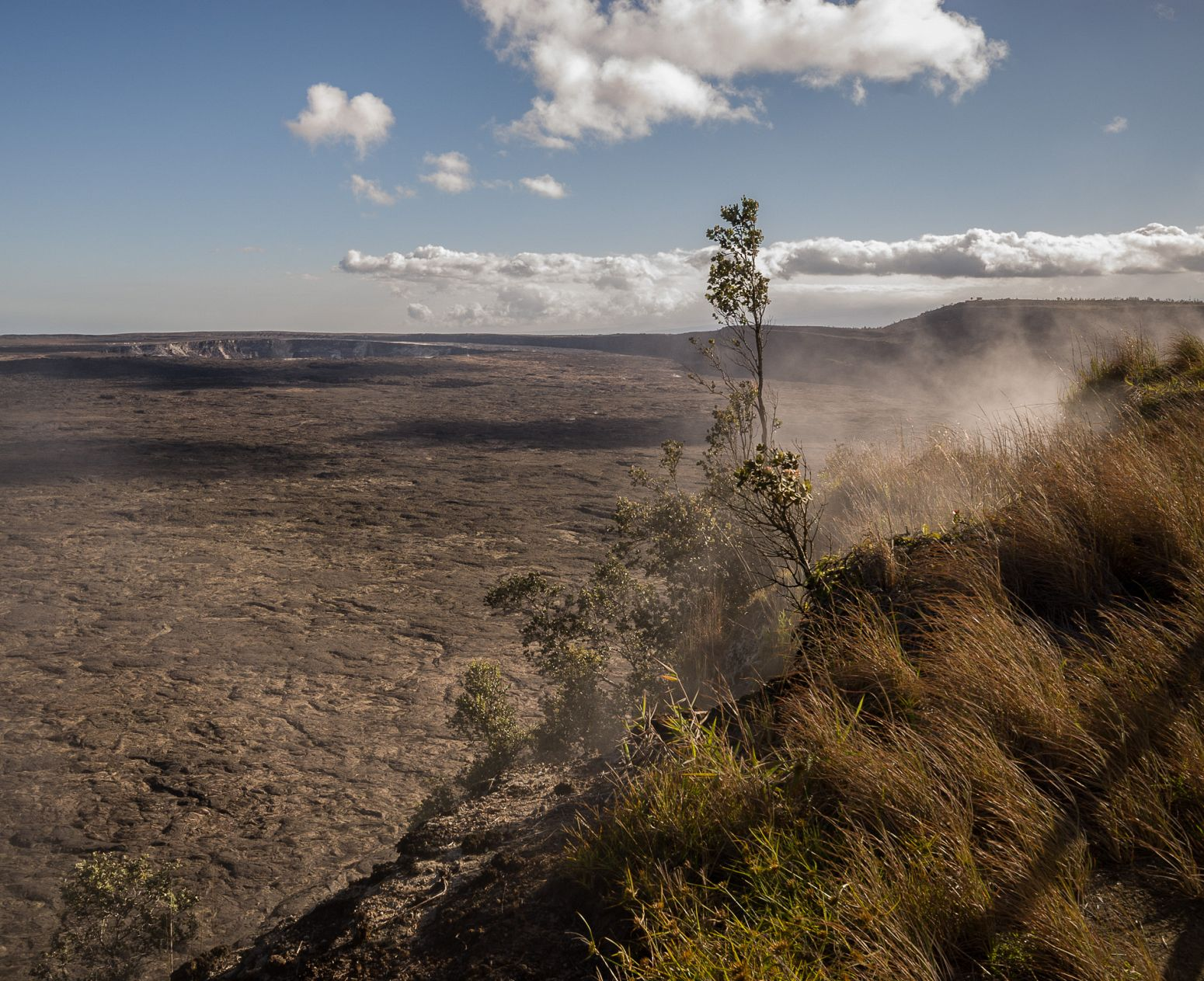 Kilauea Crater, Volcanoes NP, Hawaii, USA