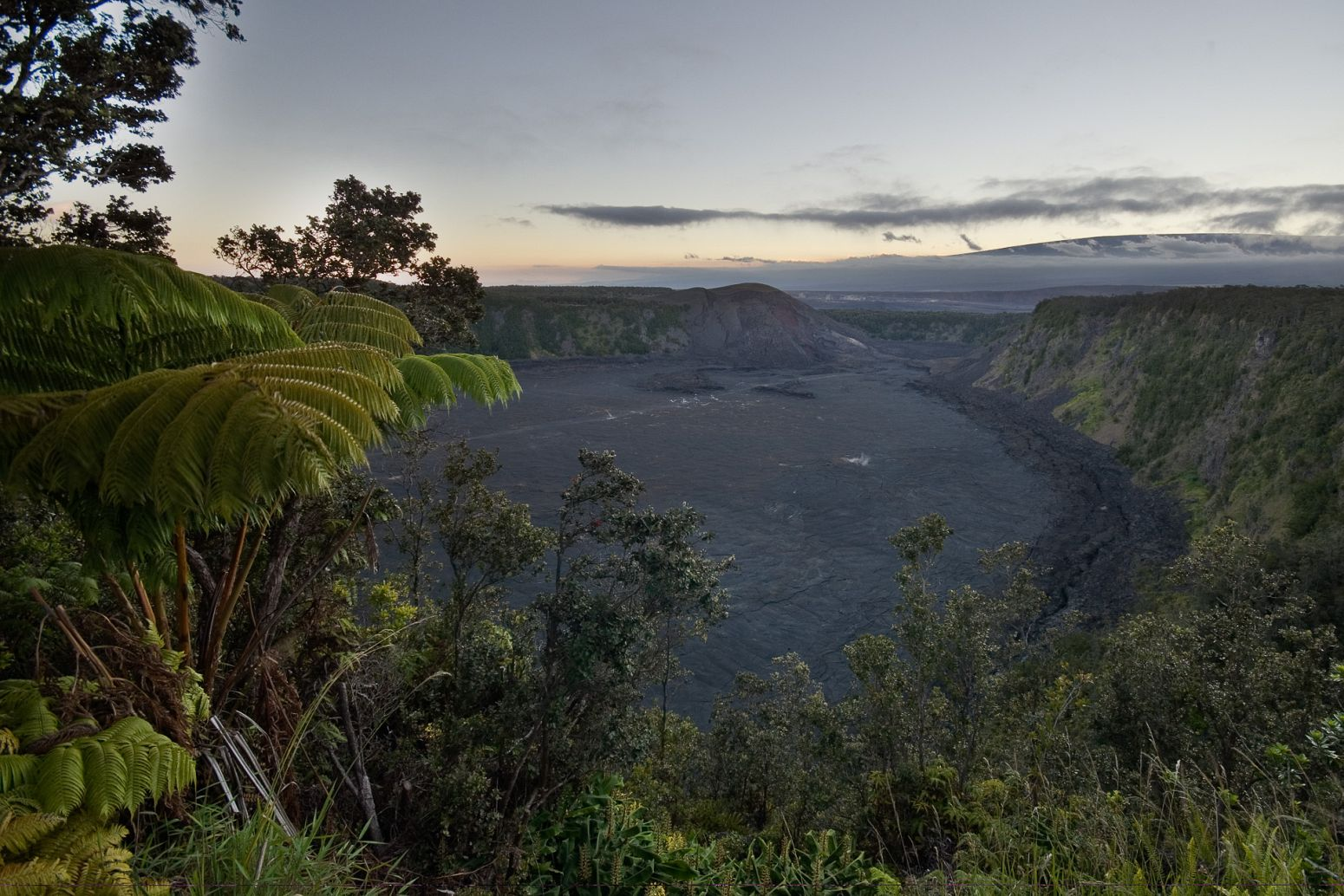 Kilauea Iki Crater, Volcanoes NP, Hawaii, USA